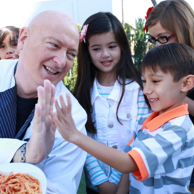 feeding-the-children-3S9A9101